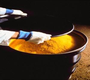 jaderná energie - Nabídka uranu v průběhu roku 2012 převýší poptávku, předpovídá britské výzkumné středisko CRU - Palivový cyklus (yellowcake) 1