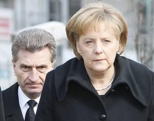 Německá kancléřka Angela Merkelová a evropský komisař pro energetiku Günther Oettinger