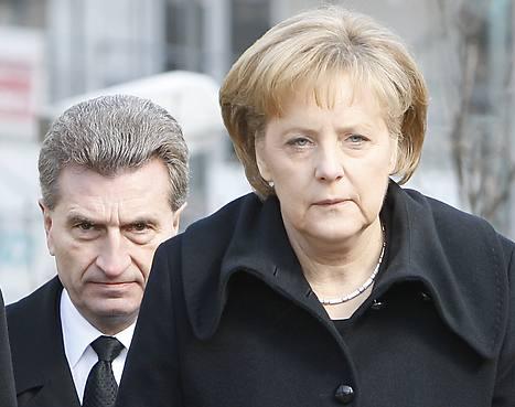 """Německá vláda zavádí """"jadernou daň"""". Evropský komisař stojí za Merkelovou."""