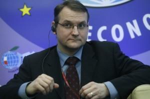 Velvyslanec pro energetickou bezpečnost a vládní zmocněnec Václav Bartuška, někdejší studentský vůdce Sametové revoluce