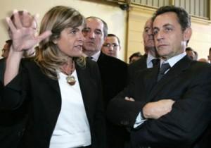 """""""Atomová madame"""" Anne Lauvergeonová, současná ředitelka Arevy, a Nicolas Sarkozy. Francouzský prezident chystá velkou revizi atomového průmyslu, která mimo jiné může stát místo první dámu Arevy."""