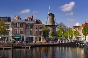 Typická nizozemská scenérie. Tato přímořská země se začíná otáčet k jádru stále více a více čelem.