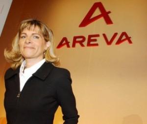 Anne Lauvergeon, šéfka Arevy. Přes častou kritiku, která se na její adresu často v poslední době ozývá, je její počin osobně přijet do města Arlit, které pro cizince vždy bylo velmi nebezpečné, zaslouží obdiv.