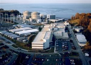 Jaderná elektrárna Calvert Cliffs. Její třetí blok má stavět Areva, okolo projektu se však vyskytly komplikace, které jeho realizaci mohou ohrozit nebo odložit na dlouhou dobu. Francouzi se však z USA stahovat nechtějí a budou bojovat o nové zakázky.