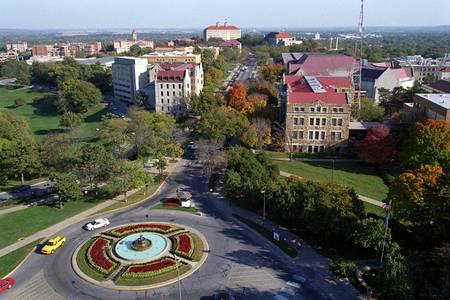 Kansaská univerzita pozastavila činnost svého reaktoru kvůli experimentu, při kterém operátor dostal zvýšenou dávku ozáření