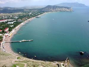 Krym je velmi přitažlivou turistickou atrakcí pro čisté moře, krásnou přírodu a zatím spíše nižší ruch. Ukrajinská vláda uvádí snahu zachovat tuto přitažlivot jako důvod, proč tam hodlá stavět solární a větrné elektrárny místo jaderných či tepelných.