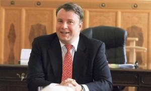 Martin Kocourek (ODS), ministr průmyslu a obchodu v Nečasově vládě. Podle něj je pravděpodobné, že harmonogram stavby nových bloků JE Temelín se dostane do skluzu.