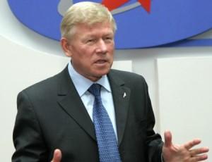 Šéf Federální kosmické agentury Ruské federace Anatolij Perminov, bývalý náměstek velitele ruských raketových vojsk a ředitel největšího zkušebního polygonu v Plesecku.