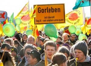 Záběr z protestů v Dannenbergu.