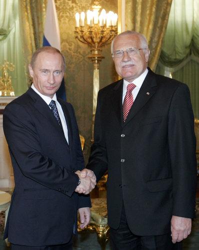 Klaus se soukromě sešel s Putinem kvůli Temelínu