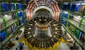 Supravodivé magnety v urychlovači LHC.