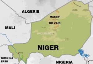 Imouraren na mapě Nigeru. Právě tam chce Areva začít těžit i přes nedávný únos sedmi pracovníků místními militaristy.