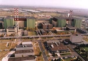 Pohled na JE Paks z jaderné perspektivy. S Českem elektrárnu pojí stejná technologie reaktorů a to, že každou z nich se vlády chystají modernizovat v dohledné, ale vzdálenější době.