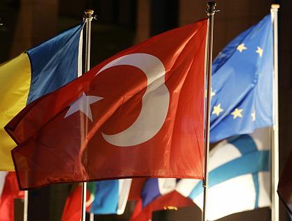 Pokud Francie chce stavět jaderné elektrárny v Turecku, nesmí překážet jeho připojení k Evropské unii – ministr energetiky