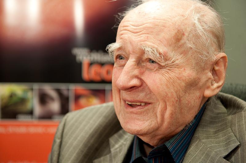 Od krystalky k mikroprocesorům – rozhovor s prof. Čestmírem Šimáněm, jedním ze zakladatelů české jaderné fyziky