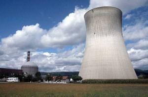 jaderná energie - Jaderné elektrárny by nemusel stavět jen ČEZ - E15 - Nové bloky v ČR (komin) 1