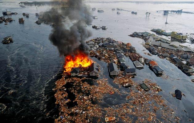 Japonsko vyhlásilo stav jaderného ohrožení na jaderné elektrárně Fukušima, hrozí nebezpečí úniku radiace