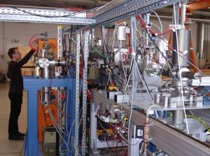 jaderná energie - Němečtí fyzici zahájili experiment s cílem připravit 120. prvek Mendělejevovy tabulky - Věda a jádro (darmstadt testovaci linka) 1
