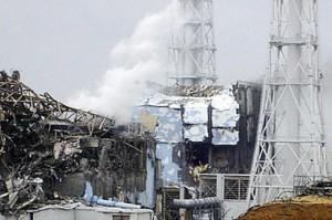 jaderná energie - Těla dvou pohřešovaných pracovníků TEPCO byla nalezena v areálu JE Fukušima - JE Fukušima (fukushima zniceny kus baraku) 1