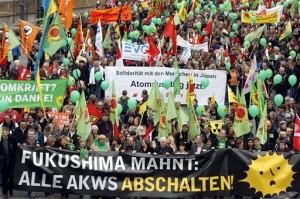 jaderná energie - Ze 17 německých jaderných reaktorů budou od soboty pracovat jen čtyři - JE Fukušima (nemecko pofukusimska demonstrace) 1