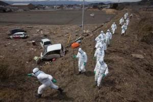 jaderná energie - Expertní tým poprvé od havárie na Fukušimě vstoupil do budovy prvního bloku elektrárny - JE Fukušima (zamorena zona fukushima) 1