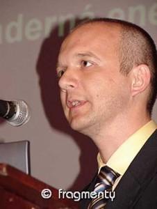 Daneš Burket, prezident ČNS. V letech 1994 až 2004 pracoval na JE Dukvany jako vedoucí technolog pro výpočty aktivní zóny, poté zastával střídavě několik vedoucích pozic na Dukovanech a nyní řídí oddělení technické podpory společnosti ČEZ (divize Výroba).