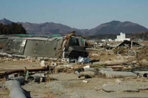 jaderná energie - Někteří Japonci se budou moci vrátit domů k Fukušimě - JE Fukušima (shinchu znicene) 1