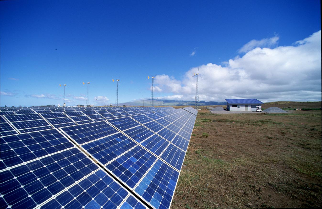 Předběžný plán ministra Kocourka – 80% energie z jádra, snížení podílu fotovoltaiky