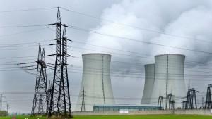 jaderná energie - V Dukovanech začíná vyrábět proud jeden ze dvou zastavených bloků - V Česku (dukovany je) 1