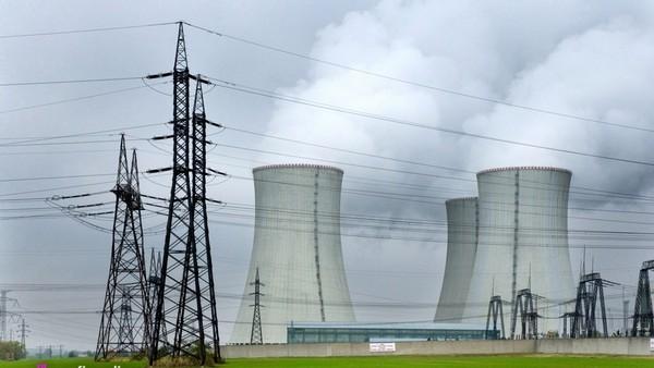 V Dukovanech začíná vyrábět proud jeden ze dvou zastavených bloků