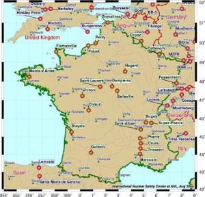 Mapa jaderných objektů Francie. Ačkoliv ze všech poválečných velmocí začala se stavbou jaderných elektráren nejpozději a během války se na jaderném výzkumu příliš nepodílela, stala se Francie zemí se suverénně nejvyšším podílem jaderné energie.