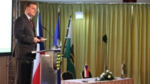 jaderná energie - Česko investuje 2 miliardy eur do posílení přenosové soustavy - V Česku (necas konference) 1
