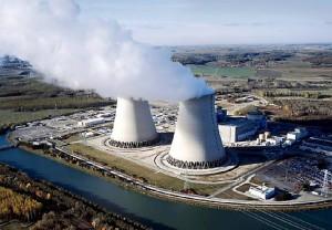 jaderná energie - Aktivistům Greenpeace se povedlo dostat do areálu francouzských jaderných elektráren, nyní je čeká soud - Ve světě (nogent power plant) 1