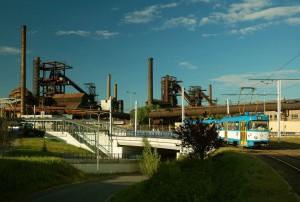 Areál Vítkovických železáren v Ostravě. Vítkovice Group je jedním z největších výrobců strojírenských zařízení v Čechách.