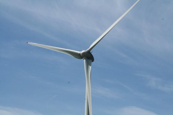 Poláci přesměrovávají větrnou elektřinu z Německa, zvýší to nápor na českou přenosovou soustavu – E15