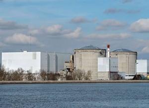 Nejstarší francouzská jaderná elektrárna Fessenheim. Zdroj: allvoices.com