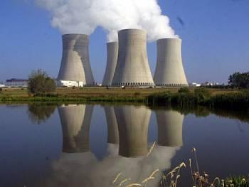 Energetici po odstávce připojili první blok Temelínu k síti