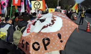 jaderná energie - Japonci opět protestovali proti jaderné energii - JE Fukušima (tokio protest) 1