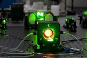 jaderná energie - Laser může ukázat cestu k novým zdrojům energie - Věda a jádro (titansafir) 1