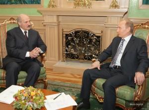 jaderná energie - Lukašenko chce v Bělorusku postavit dvě jaderné elektrárny - Ve světě (641ae Lukashenko Putin) 1