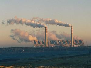 jaderná energie - Polská elektrárenská společnost PGE chce spustit tendr na stavbu jaderné elektrárny do konce června - Nové bloky ve světě (20051029 Belchatow power station) 1