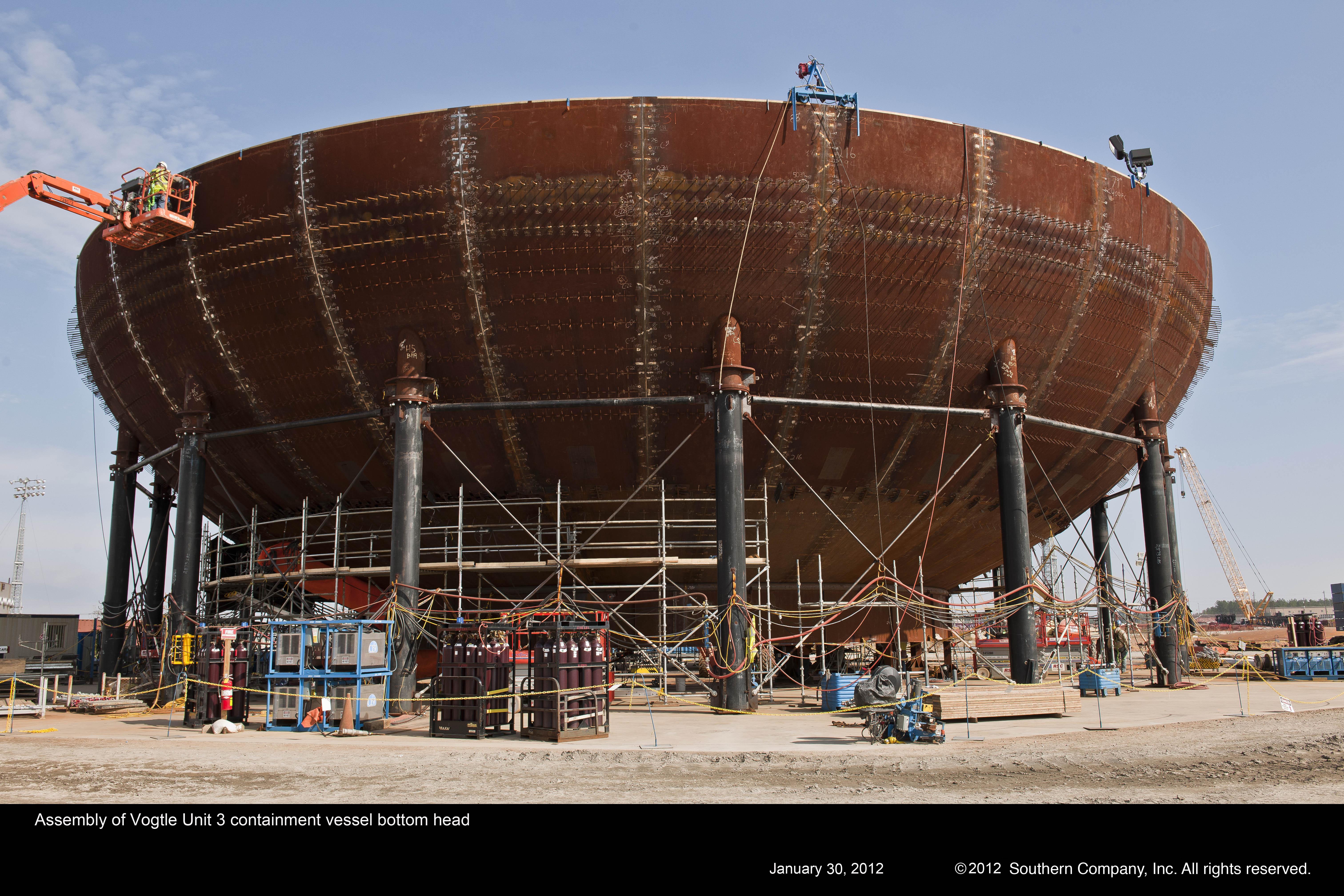 Stavba amerických bloků Vogtle s reaktory AP-1000 má menší zpoždění