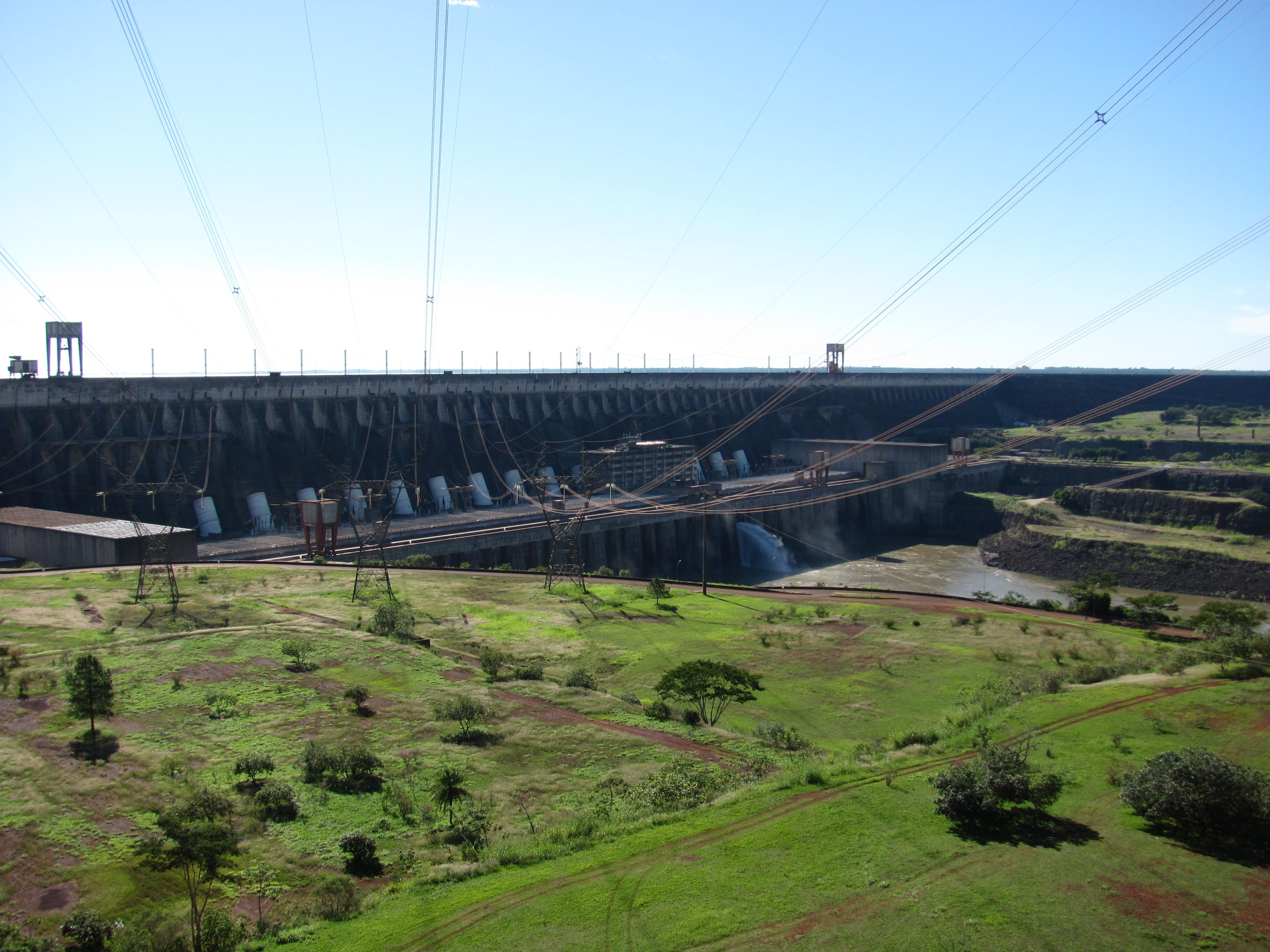 Itaipu – vodní elektrárna, která bere dech