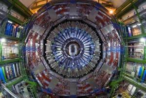 jaderná energie - CERN oznámí nejnovější výsledky pátrání po Higgsově bosonu na konferenci ICHEP - Věda a jádro (lhc cms detector) 1
