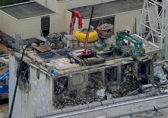 Vytažen první palivový článek z bazénu Fukušima Dajiči 4, zbývá jich ještě 1534