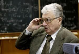 Jurij Ohanesyan, jeden z doyenů ruské a světové fyziky těžkých jader. Zdroj: mn.ru