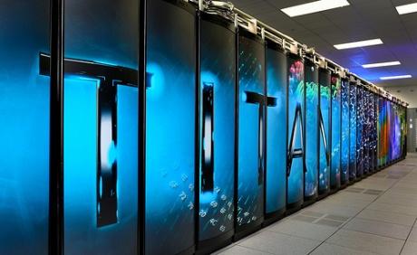 Amerika má nový superpočítač – ten nejvýkonnější na světě