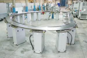 Radiální desky jsou základní součástí rámu tokamaku, jejich rozměry jsou 8,5 x 15 metrů a jsou vyrobeny pomocí speciálních technologií, například svařování elektronovým paprskem v lokální vakuové atmosféře.