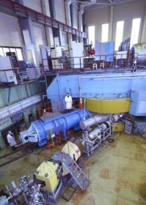 Urychlovače, které se používají kprodukci supertěžkých prvků vSÚJV Dubna (zdroj SÚJV Dubna).