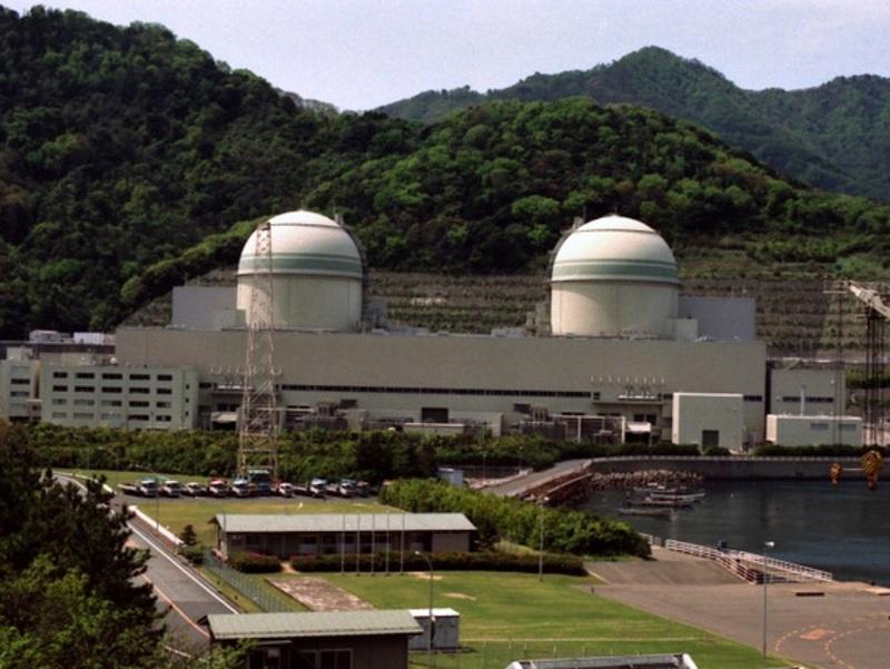 Jaderná elektrárna Ói, jejíž dva bloky patří k těm, které již byly znovu spuštěny v červenci minulého roku. Zdroj: japanfocus.org